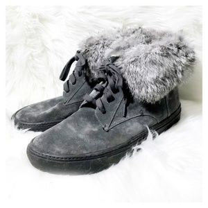 Vince Nyack lace up sneaker bootie with fur size 9